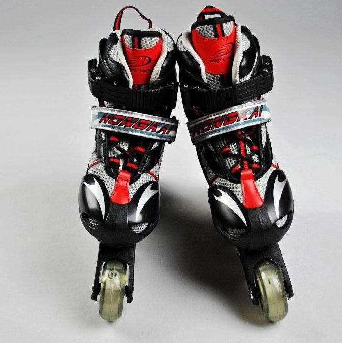 专利转让:弹性保暖溜冰两用鞋